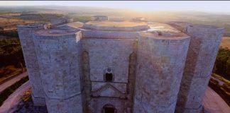 Castel del Monte, uno dei castelli più belli d'Italia, visto dal drone