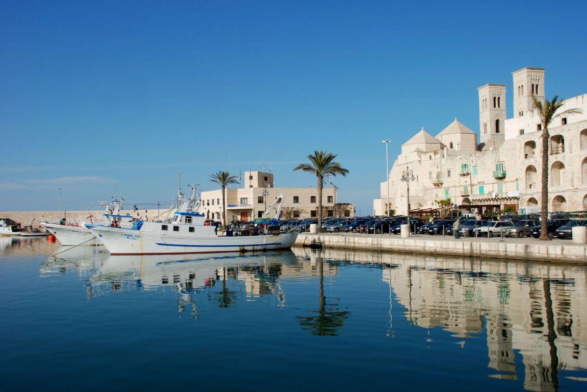 Molfetta: Boom sugli sconti fino al 70% del Puglia Outlet Village