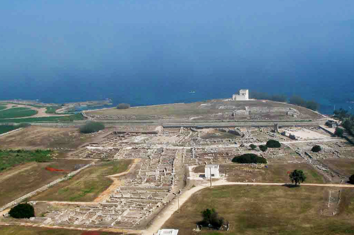 Enea e l'attracco in Puglia