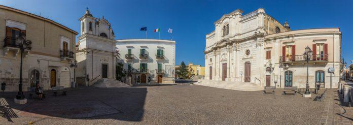 Trinitapoli (Barletta-Andria-Trani), Piazza Umberto I