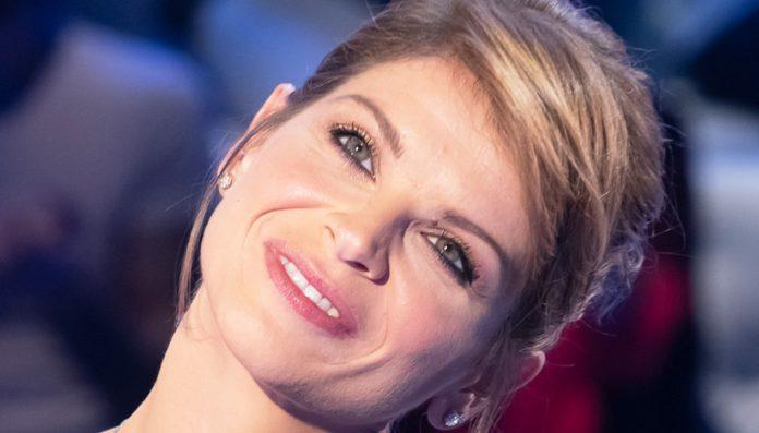 """Torna a Bari Alessandra Amoroso con il """"10 Tour 2019"""""""