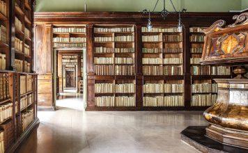 Taranto-biblioteca